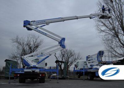 Camion da 3500kg con piattaforma elevatrice ForSte 24DJ stabilizzatori Socage