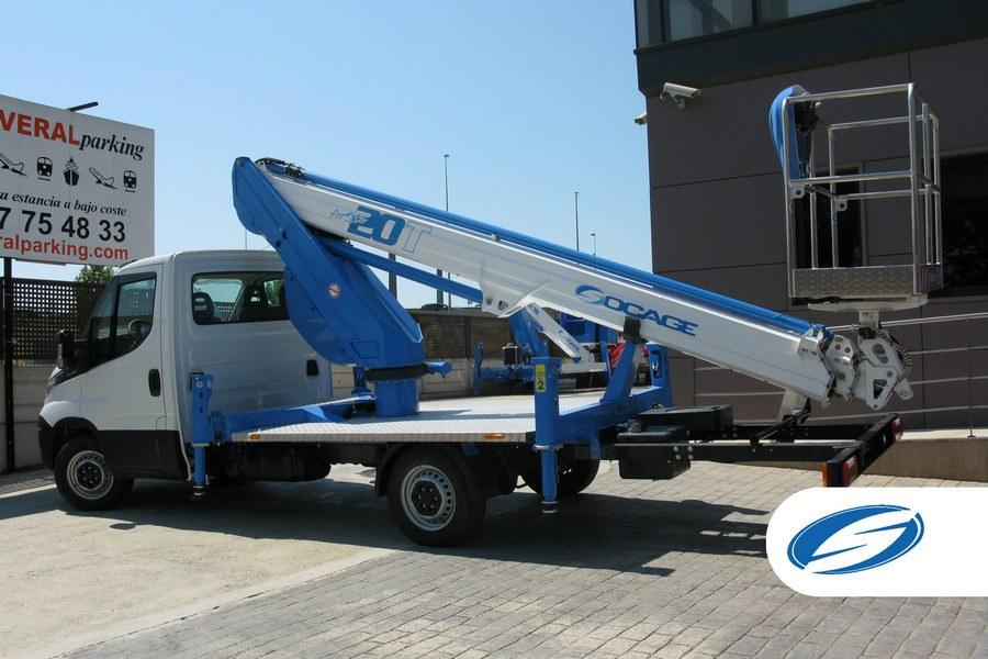 piattaforma su camion Massimo sbraccio laterale ForSte20T
