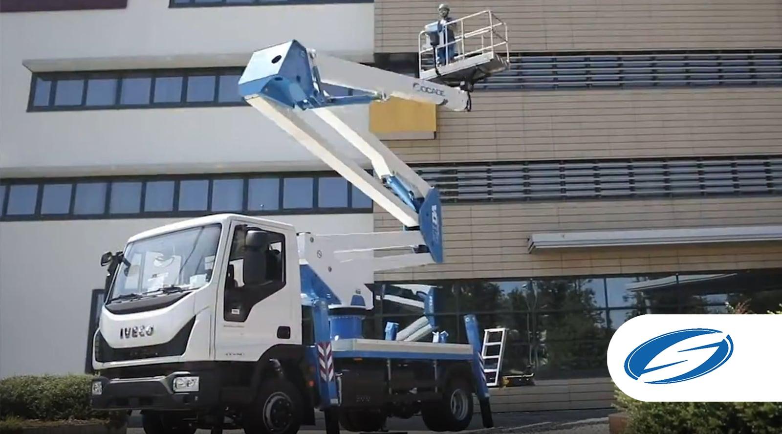 Camion con piattaforma aerea 28DA SPEED dimensioni ridotte