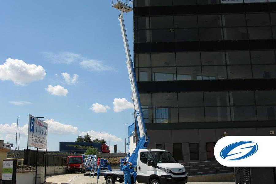 piattaforme elevatrici per camion ForSte 16T arm Socage