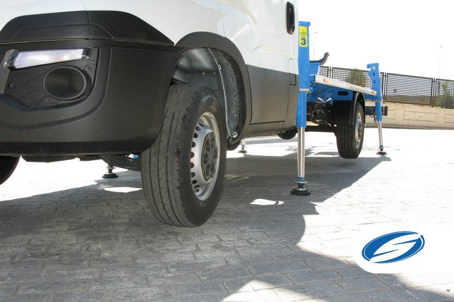 piattaforme elevatrici per camion ForSte 16T stabilizzatori Socage